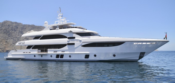 Motor Yacht Majesty 135