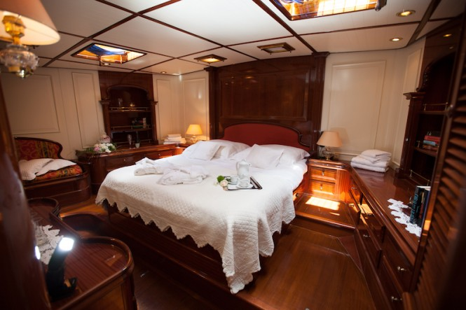 HELIYACHTS 115 - Master suite