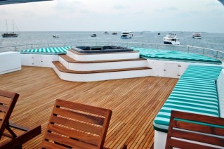 HONORS LEGACY - Spacious Sundeck