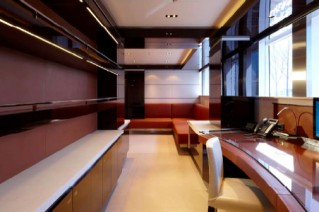 Heesen SKY superyacht with interior by Mojo-Stumer Associates - Owners Office.png