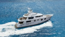 Horizon EP105 Motor Yacht Underway  -  A Long Range Explorer