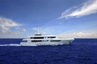 Horizon EP148 superyacht Horizon Polaris running