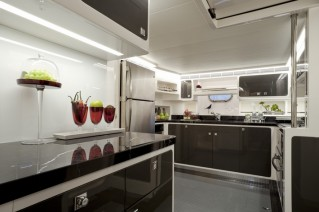 Horizon V80 Yacht The One - Galley