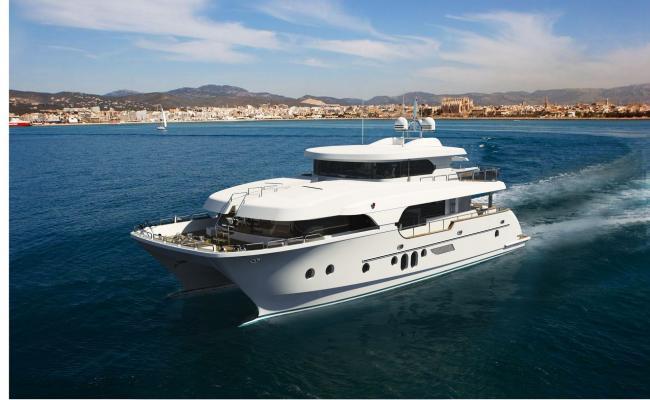 Motor Yacht AquaCat 80