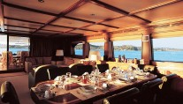 IRIS - Open Saloon and Dining