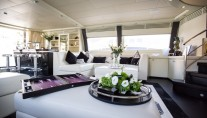 ISA Motor yacht SAMJA - Salon and bar