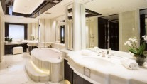 Illusion V superyacht - Owners Bathroom