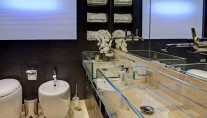 Intergrity 93ft yacht - master bathroom