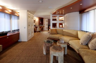 Interior of the 4th Moonen 97 yacht designed by Art-Line Interiors.png