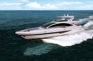 Intermarine 95 Yacht underway