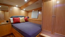 Intrigue yacht - cabin