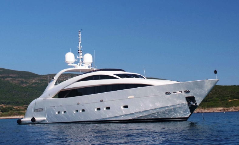 Motor yacht whispering angel ex junie ii international for Angel boats and motors