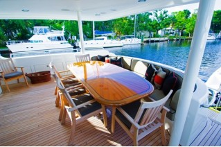 KELLY SEA - Aft Deck Dining