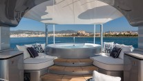 KISS Yacht - Sun deck with Jacuzzi