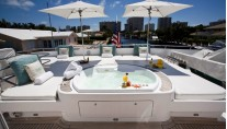 Kipany -  Bridge Deck Spa Pool Aft
