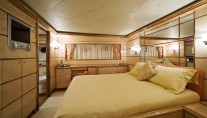 LADIES FIRST - VIP Cabin