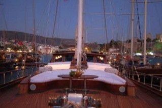 LADY CHRISTA II foredeck