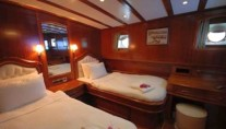 LADY CHRISTA II guest cabin