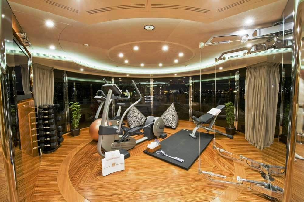 Mag iii lady sheila gym luxury yacht browser by for Luxury home gym