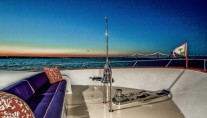 LADY VICTORIA Yacht - Foredeck Seating