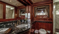 LADY VICTORIA Yacht - Master Ensuite