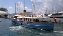LARIMAR -  Leaving port on charter