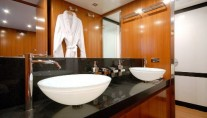 LARMERA -  Bathroom