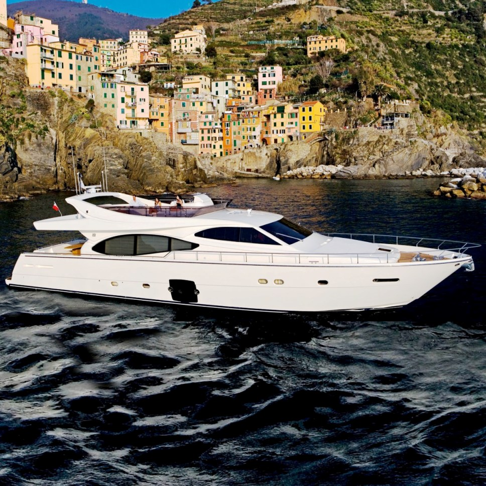 Lavitalebela In Italy Luxury Yacht Browser By
