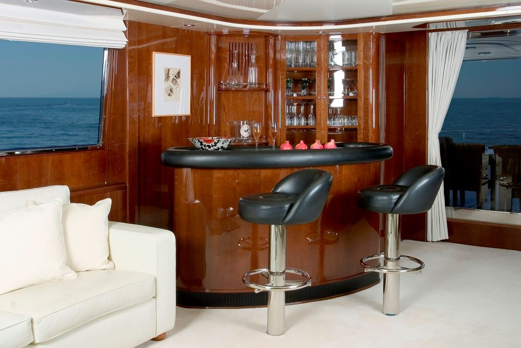 Let it be salon bar luxury yacht browser by charterworld superyacht charter - Bar de salon ...