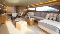 LITTLE JEMS  yacht - saloon