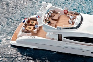 LITTLE SARAH aft deck and flybridge
