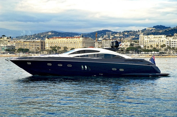 Motor yacht Low Profile