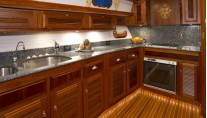 LYMAN MORSE Yacht EXCELLENCE -  Galley