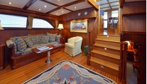 LYMAN MORSE Yacht EXCELLENCE -  Lower Salon Seating