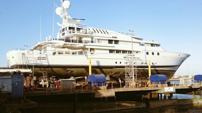 Superyacht LADY A (ex Southern Cross III, Emihar Chios, Indian Princess)