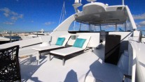 Lazzara 76 PLAN B - Flybridge 3
