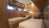 Little Jems yacht - twin cabin