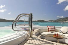 Lurssen yacht TV - Jacuzzi on owners deck