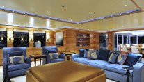 Lurssen yacht TV - Main salon seating