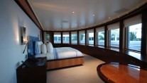 Lurssen yacht TV - Master view