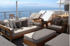 Lurssen yacht TV - Upper deck seating