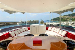 Luxurious superyacht 360 - Image coutesy of ISAYACHTS.png