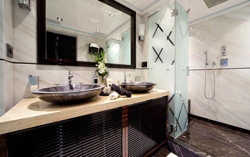 manifiq luxury ensuite interior by luca dini design luxury yacht image