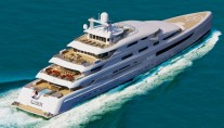 Luxury Motor Yacht Illusion