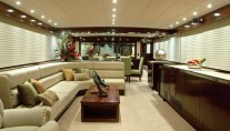 Luxury charter yacht Emerald Lady - salon