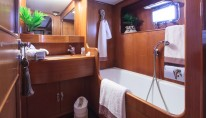 Luxury charter yacht MY LOTTY - Owner Cabin Bathroom