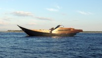 Luxury Yacht DRAGOON 130