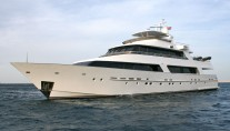 Luxury superyacht BRIO - Quarter front