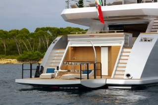 Luxury yacht 40s Hybrid - aft view - Image credit to Thierry Ameller