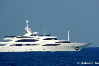 Luxury yacht ANNAEVA Photo by Roberto Malfatti